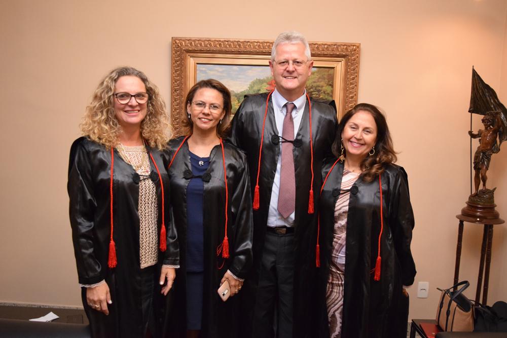 Os pró-reitores Cácia Stumpf, Anacélia Santos, Francisco Haas e Beatriz Souza Costa