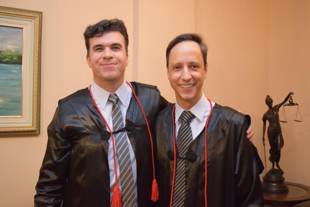 Os professores Marcelo Kokke e Márcio Luis