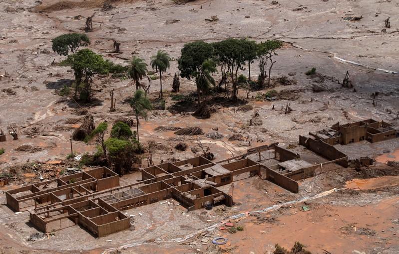 Tragédia de Mariana foi considerado o maior desastre ambiental do país à época.