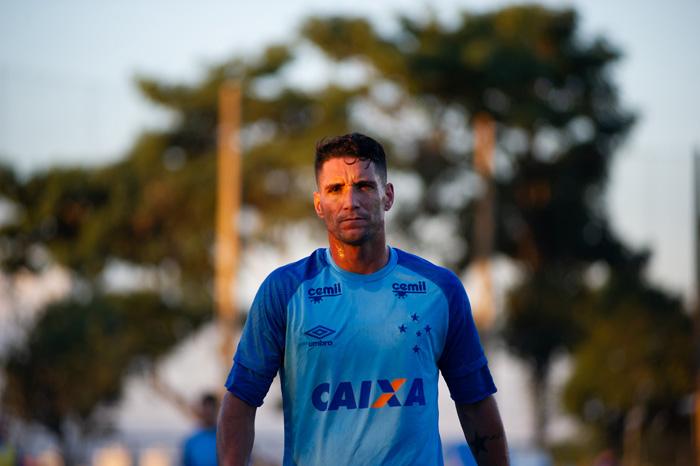Thiago Neves que segue se recuperando de uma lesão na panturrilha direita é motivo de preocupação para comissão técnica azul, porque não tem presença garantida.