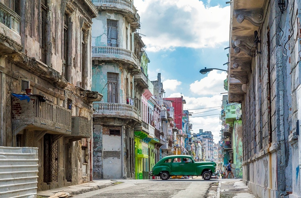 Destino, Cuba. Pagamos, e daí a algumas horas embarcamos.