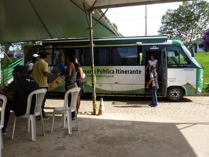Mais de 800 pessoas já procuraram a Defensoria Pública de Minas Gerais para conhecerem seus direitos e esclarecer dúvidas.