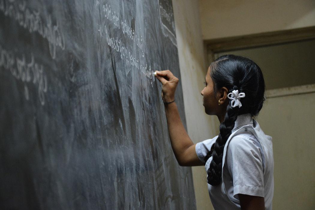 O sistema educacional brasileiro nunca adotou afamada pedagogia de Paulo Freire.