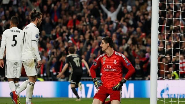Real Madrid é eliminado pelo Ajax após goleada em casa