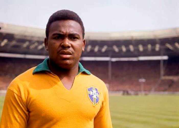 Coutinho foi campeão da Copa do Mundo de 1962, mas não jogou nenhuma partida.