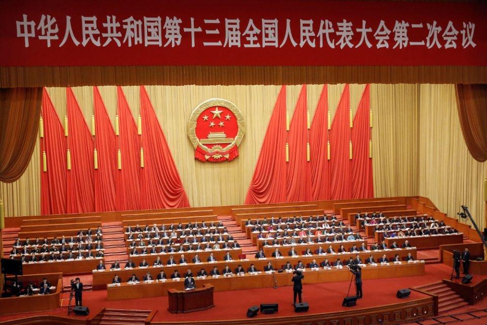 Autoridades em Pequim participam da segunda sessão plenária do Congresso Nacional do Povo no Grande Salão do Povo em 8 de março de 2019.