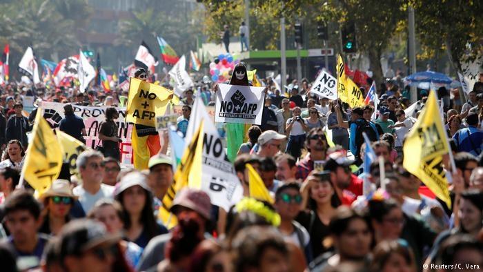 No Chile, suicídios de idosos que não conseguem se manter com salário da aposentadoria comove o país