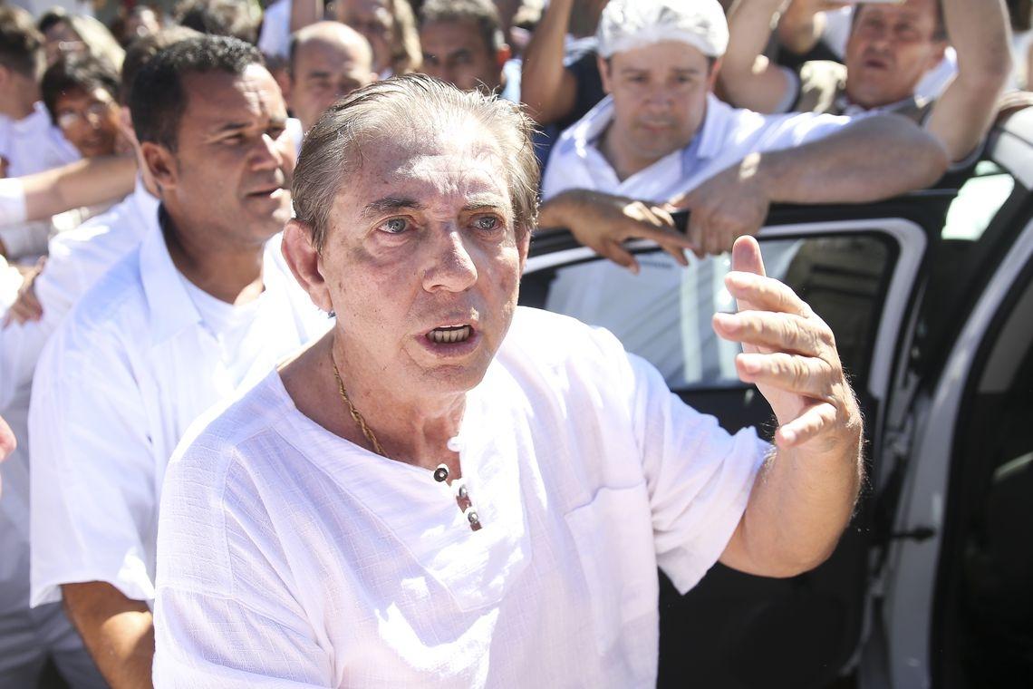 João de Deus é réu em duas ações penais decorrentes de denúncias feitas pelo Ministério Público de Goiás envolvendo casos de abuso sexual a frequentadoras da Casa Dom Inácio de Loyola, em Abadiânia.