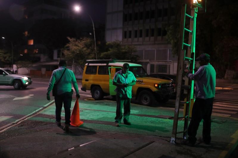 Famílias sem comunicação, uma nova consequência do blecaute na Venezuela