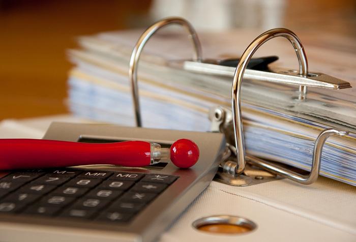 A parcela de inadimplentes, ou seja, aqueles que têm dívidas ou contas em atraso, subiu de 22,9% em janeiro para 23,1% em fevereiro deste ano.