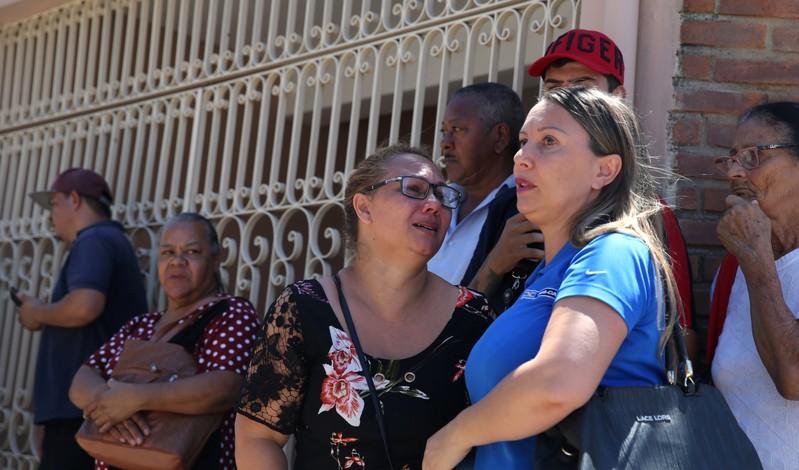 GERAL-SUZANO-VIZINHO-ABRIGAM:Em meio a desespero e tiros, vizinhos abrigaram alunos de escola em Suzano