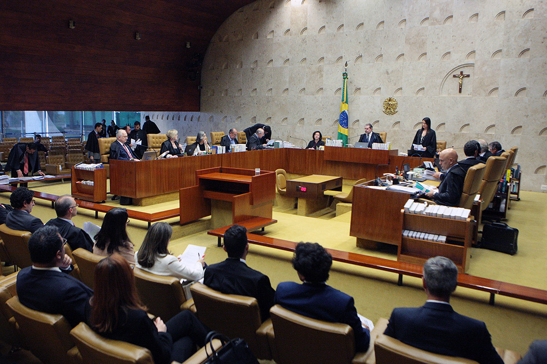 Supremo começou a julgar a possibilidade de crimes comuns conexos com eleitorais serem remetidos somente à Justiça Eleitoral.