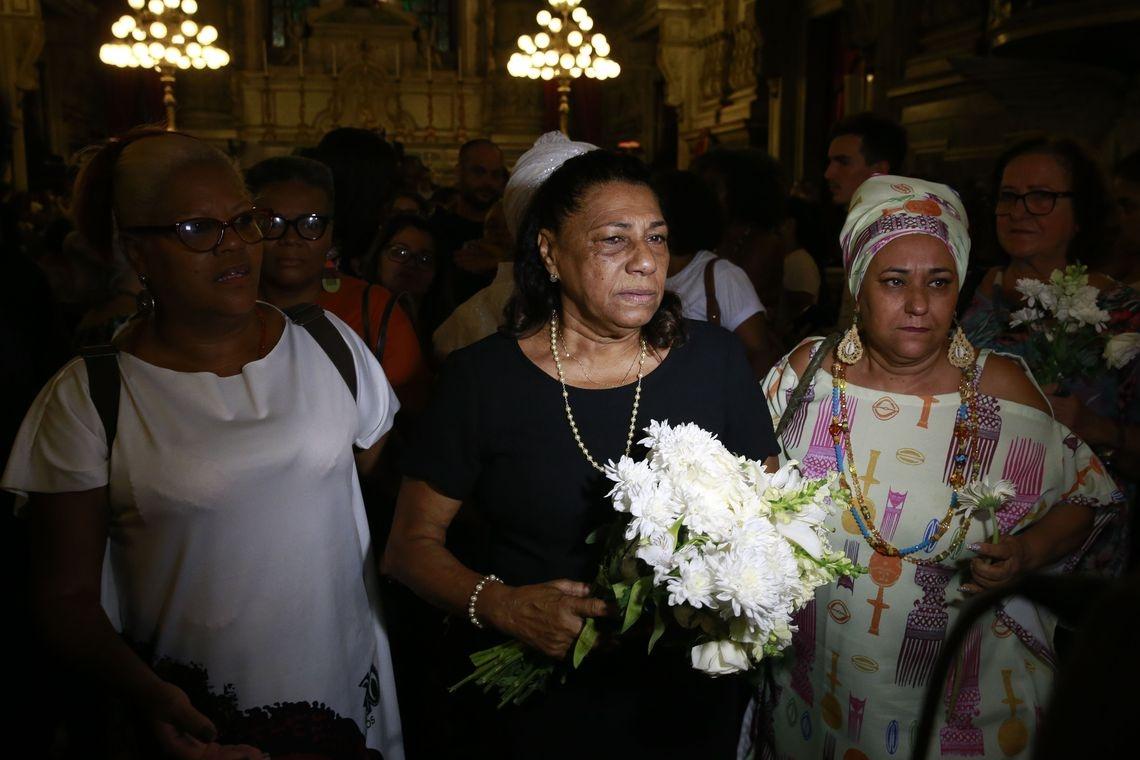 """""""É isso que Marielle pregava, ela era uma moça católica, foi catequista, em cima de todo o simbolismo que a gente tem como católico, como cristão, é reverenciar essa memória dessa maneira"""", diz mãe de Marielle."""