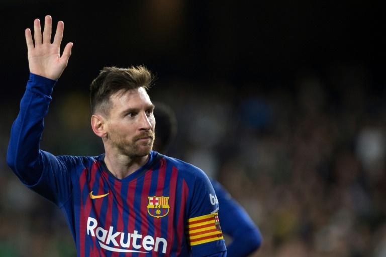 O craque do Barcelona Lionel Messi marcou três gols na vitória de 4 a 1 sobre o Betis e foi aplaudido até pela torcida adversária