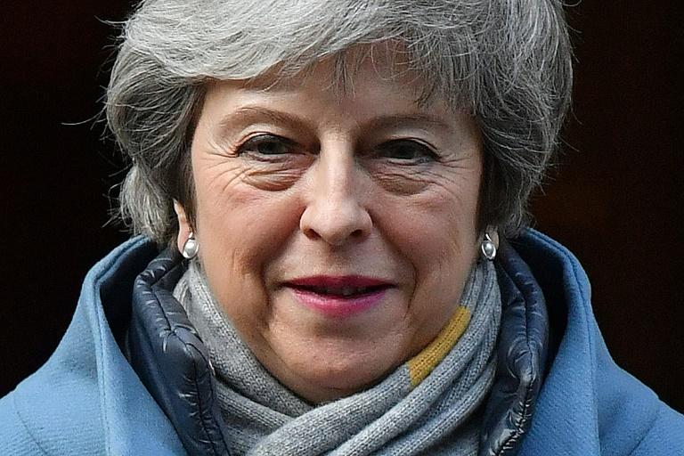 A chefe do governo iria reenviar nesta semana o mesmo texto para os deputados - que já derrubaram duas vezes, em meados de janeiro e na última terça.
