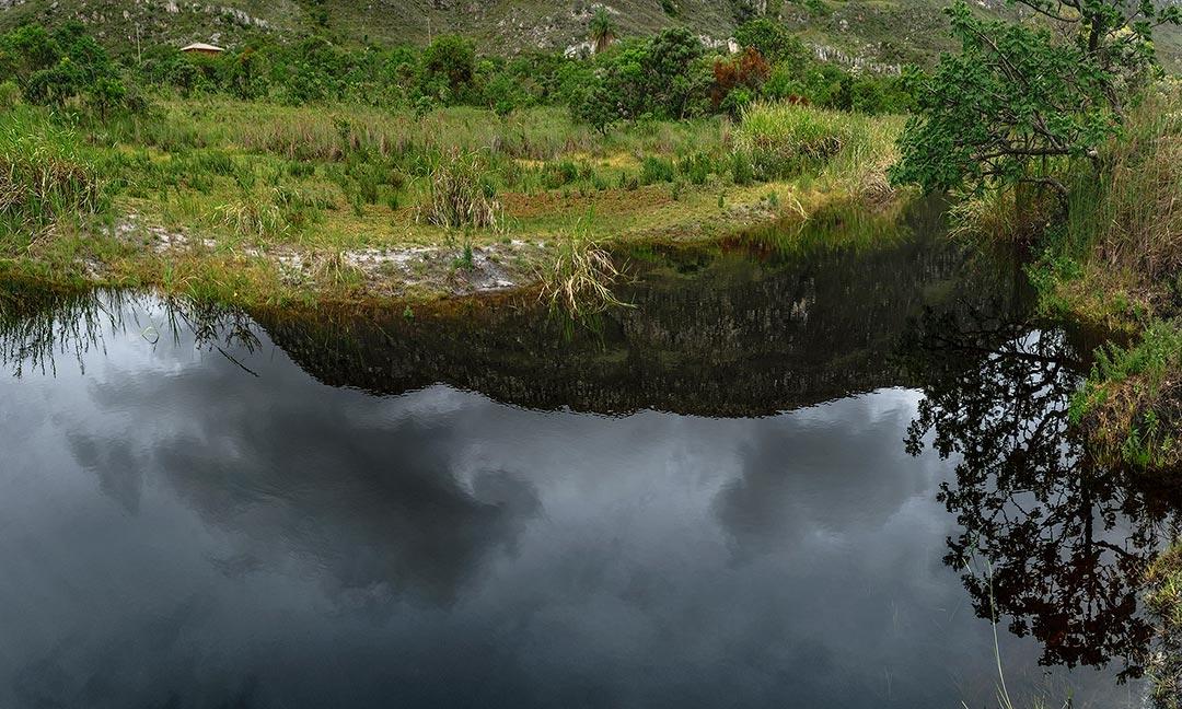 'Naiades': ao registrar paisagens, pintura e fotografia têm em comum a premissa do olhar humano.
