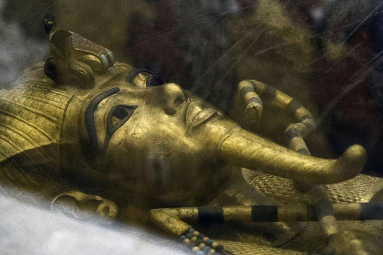 Ao todo, 150 objetos, um terço deles exibidos pela primeira vez fora do Egito, serão expostos em meio a um cenário imersivo.