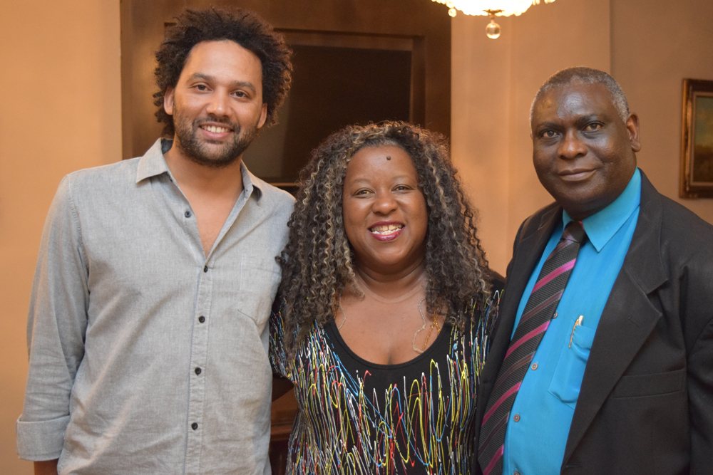 Professores Pedro Mattos, Macaé Evaristo e Kiwonghi Bizawu