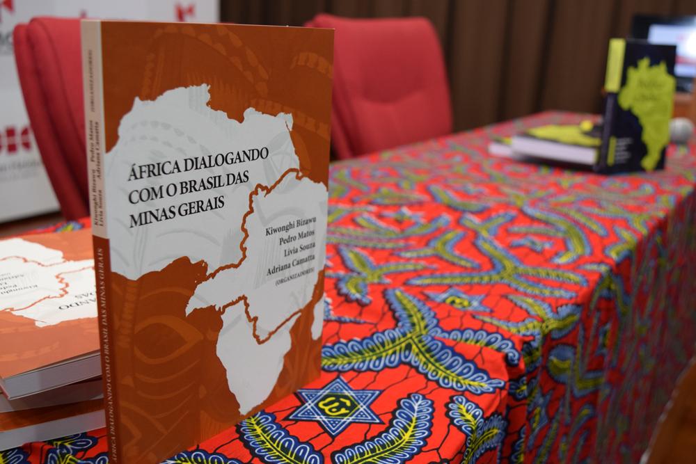 No evento foi realizado também o lançamento do livro' África dialogando com o Brasil das Minas Gerais'