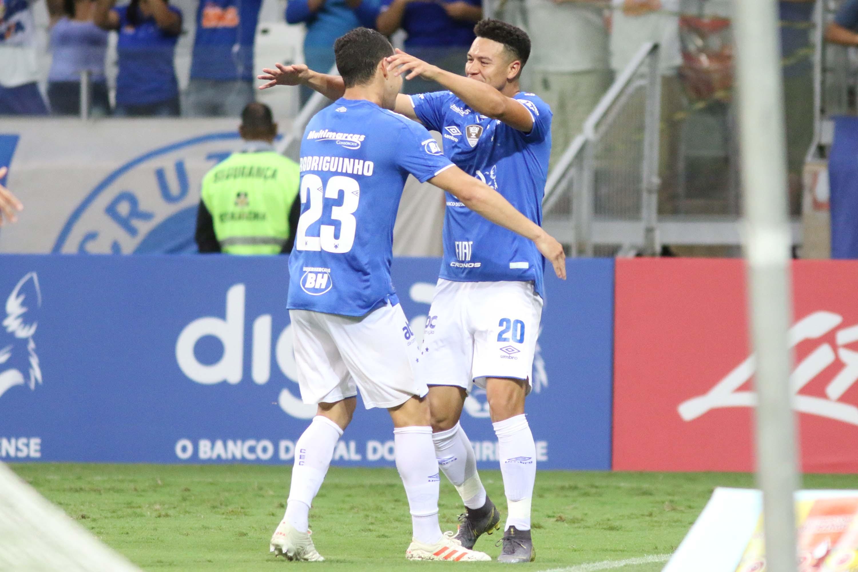 Cruzeiro é o primeiro time a garantir vaga nas semifinais