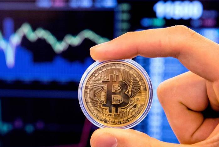 Nos períodos de um ano após os dois halvings anteriores, em novembro de 2012 e julho de 2016, o bitcoin subiu cerca de 80 vezes e quatro vezes, respectivamente