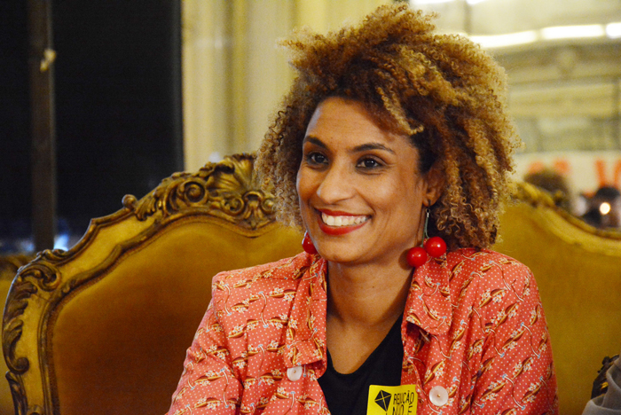 A proposta em homenagem a Marielle partiu da prefeita de Paris, Anne Hidalgo, que comemorou a aprovação pelo Conselho Municipal de Paris.