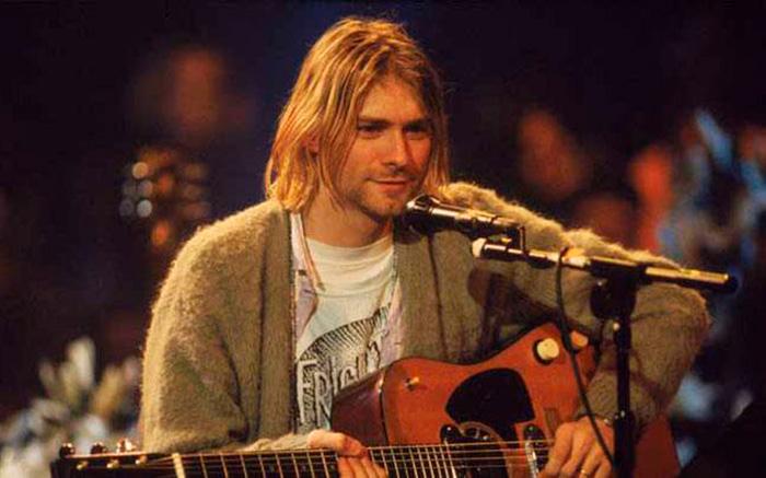 Cobain 'sintonizou com algo que ajudava as pessoas a sentir que eram menos 'estranhas', menos sozinhas'.