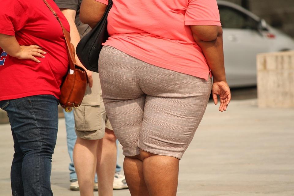Obesos têm mais risco de desenvolver doenças cardiovasculares, diabetes e câncer, além de problemas mentais