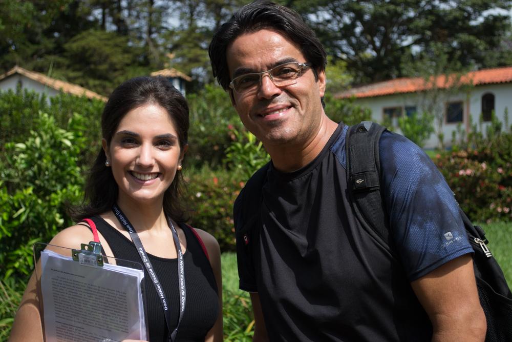 A mestranda Joana e o prof. Agripa fizeram parte da equipe organizadora do Encad.