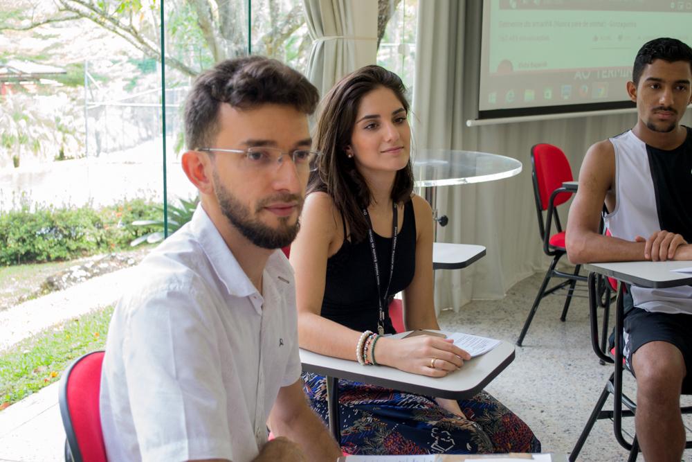 O jesuíta Paulo Veríssimo e a mestranda Joana Gonçalves foram facilitadores das atividades.