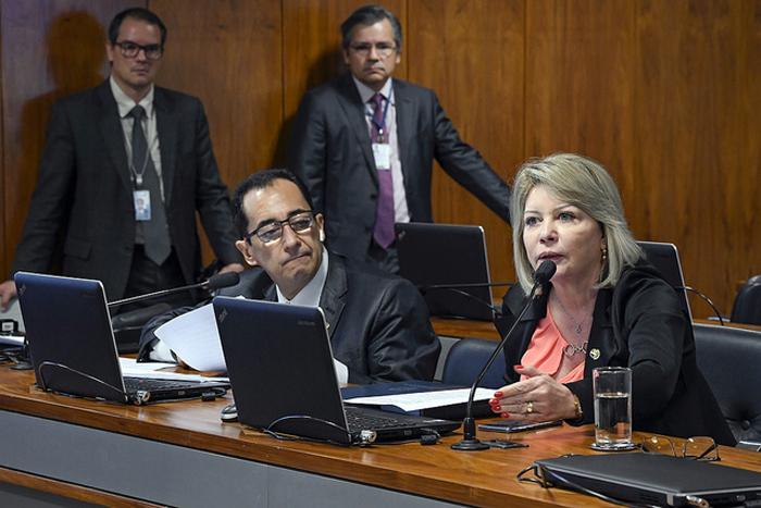 Selma Arruda permanecerá no cargo de senadora, porque desta decisão ainda cabe recurso para o Tribunal Superior Eleitoral.