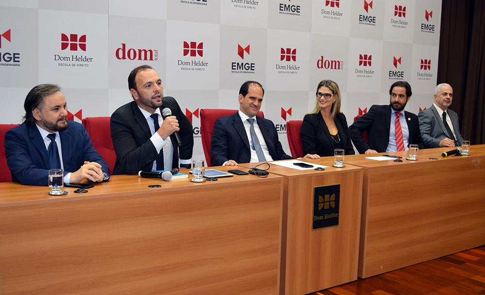 Professores José Adércio, Cairo Costa, Élcio Nacur, Adriana Camatta, Bruno Tasca e José Carlos Machado.