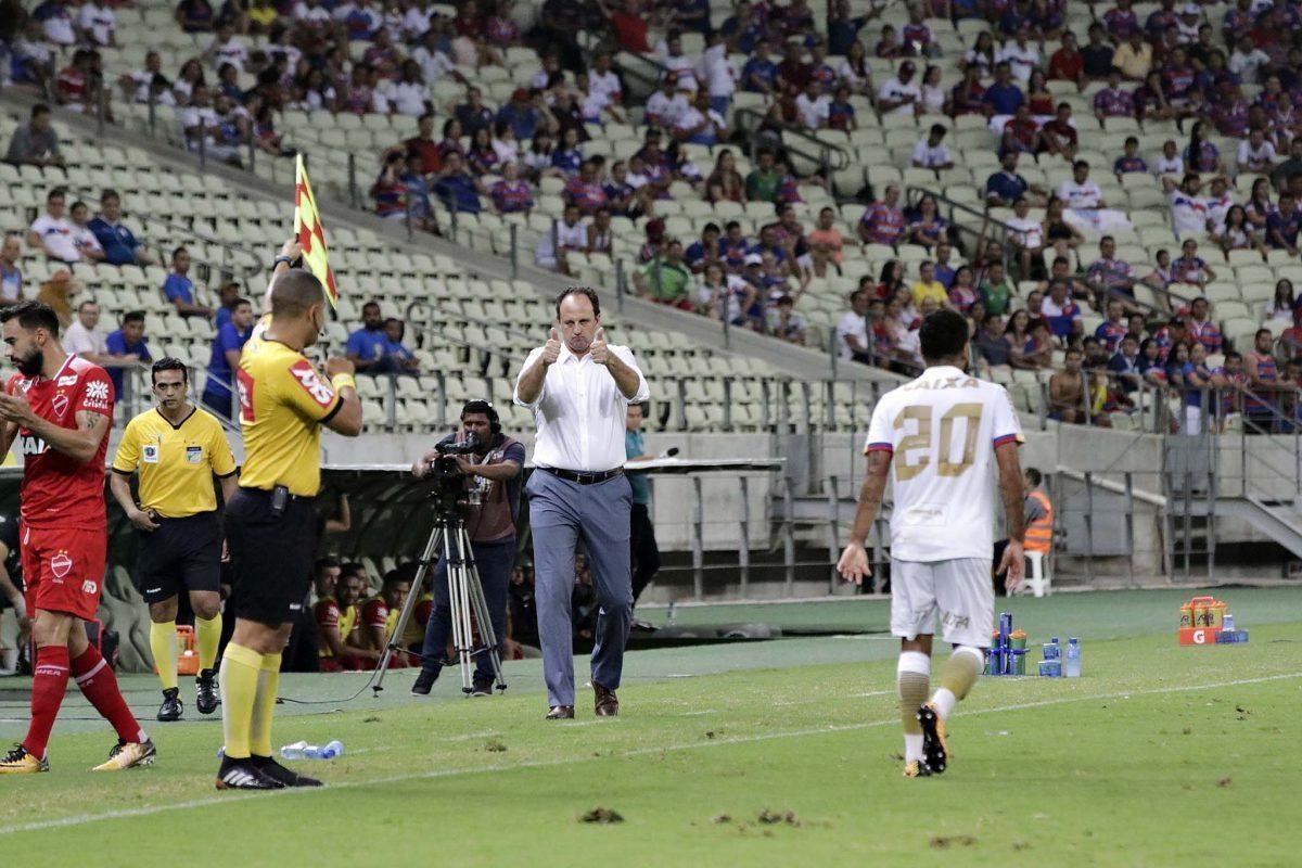 Rogério Ceni preferiu continuar o bom trabalho que tem feito no Fortaleza