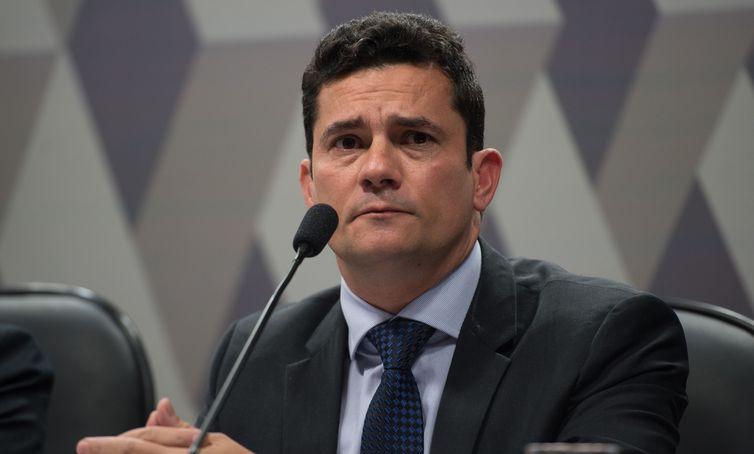 O ministro Sérgio Moro tem se empenhado em defender os benefícios da proposta.