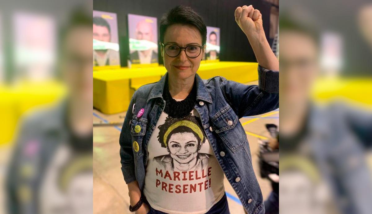 Maria reforçou suas bandeiras contra o fascismo ao postar uma foto sua votando e dizendo que defenderá