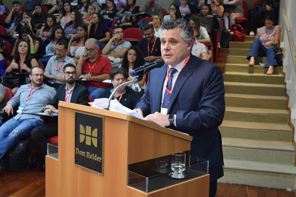Palestrante, Eduardo Reale Ferrari, tratou da análise crítica do projeto Anticrime.