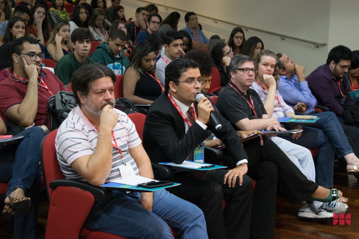 Debate com o público durante a conferência 'O tratamento da legítima defesa no Projeto Anticrime'.