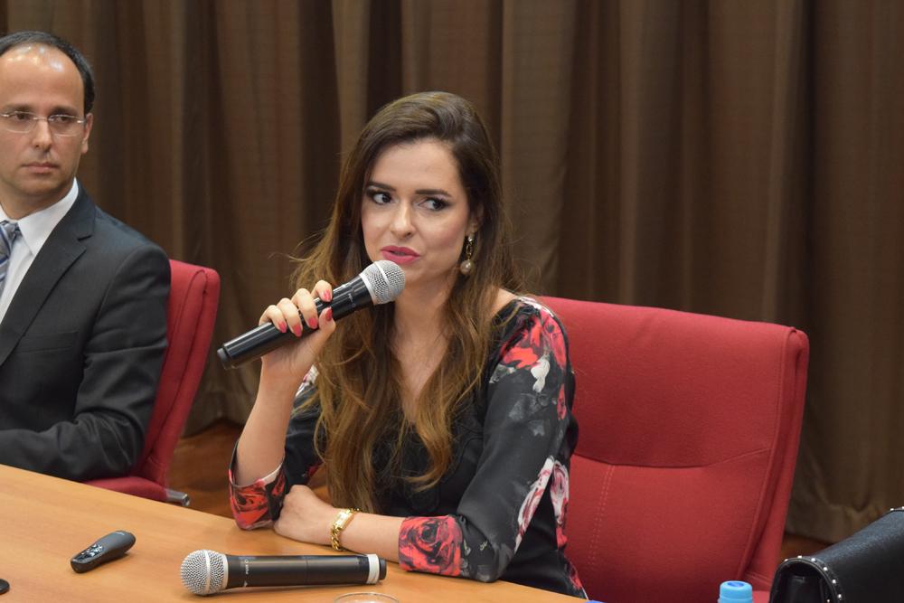 A professora Gisele Mendes de Carvalho falou sobre perfis genéticos no direito penal