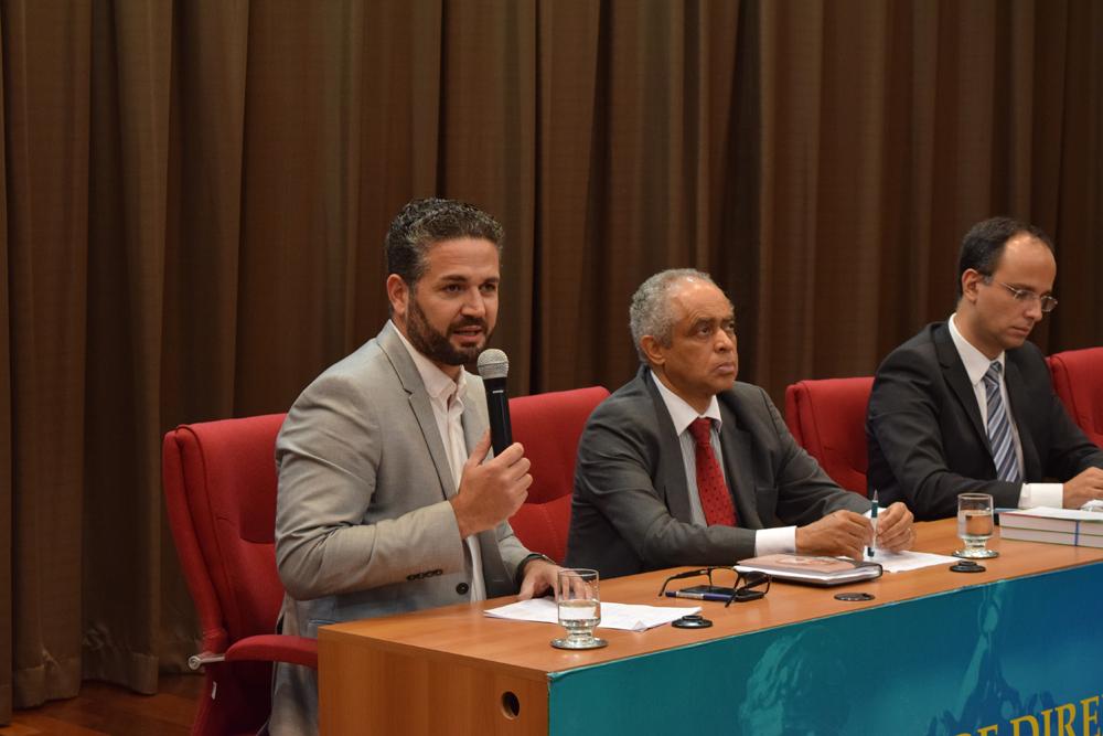 O professor Patrick Salgado Martins fez uma avaliação da palestra da professora Gisele