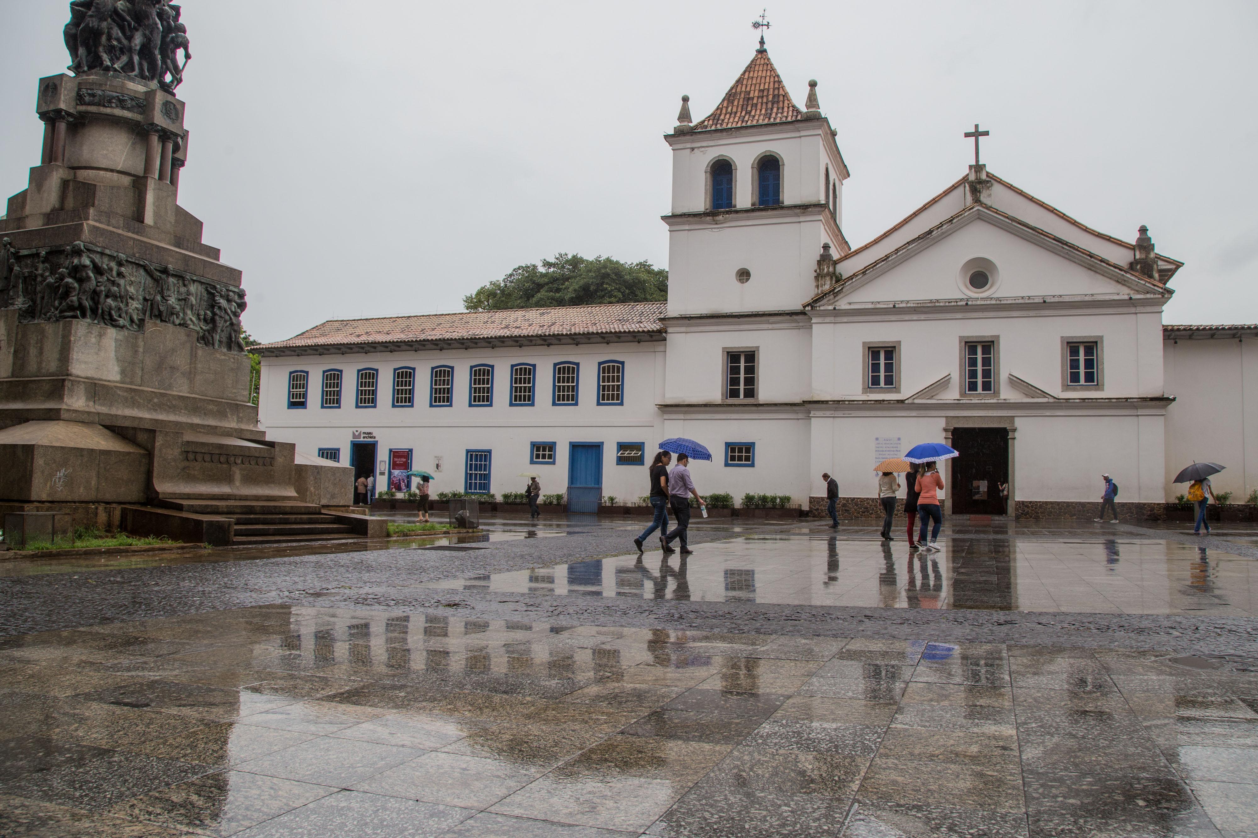 Pateo do Colégio, no Centro de SP, a primeira escola do Brasil, fundada pelo jesuíta José de Anchieta, que deu origem à cidade de São Paulo.