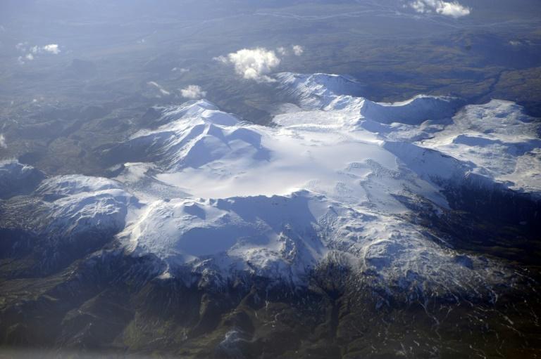 Vista aérea de glacial na Islândia.