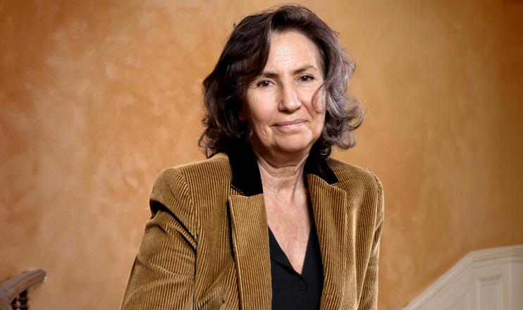 Teresa Cremisi aborda o processo de transformação de menina em mulher