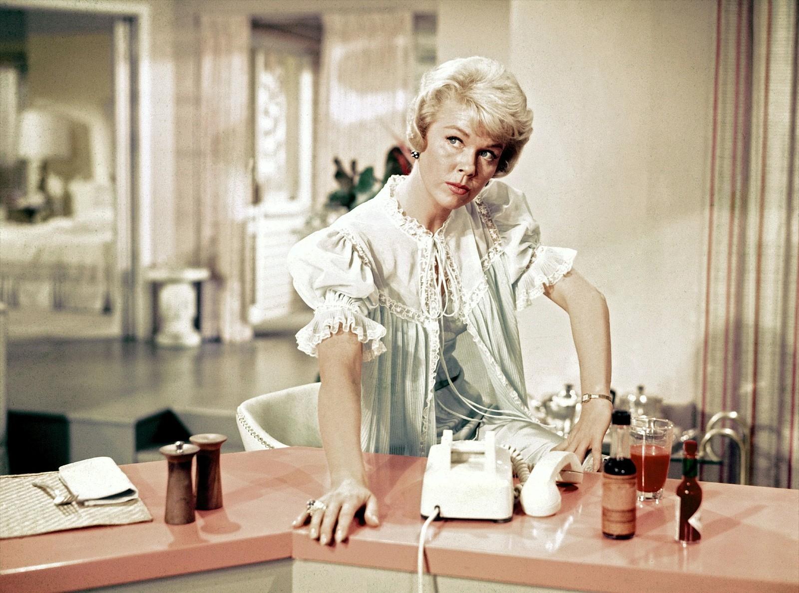 Doris Day em cena em 'Confidências à Meia-noite' (1959)