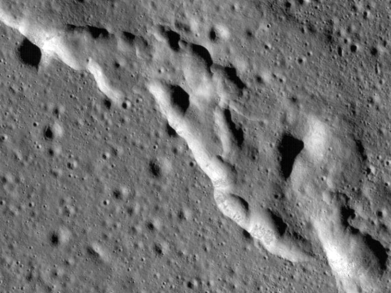 Análise examinou os tremores lunares superficiais registrados pelas missões Apolo.