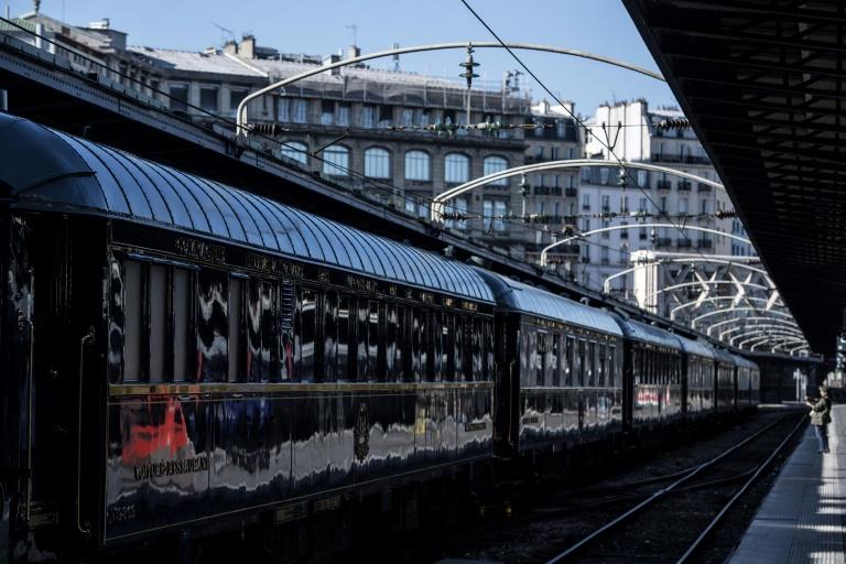 Os vagões no estilo art déco do Orient-Express, na Estação do Leste de Paris, em maio de 2019.