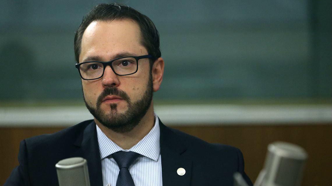 Vicenzi é a primeira baixa do MEC na gestão de Abraham Weintraub