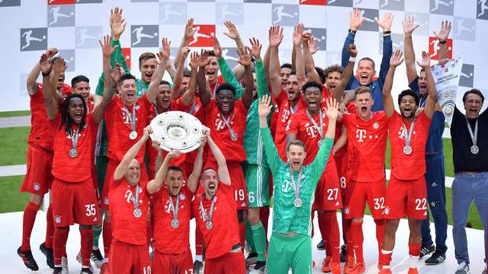 Bayern de celebra 29º título alemão diante de sua torcida.