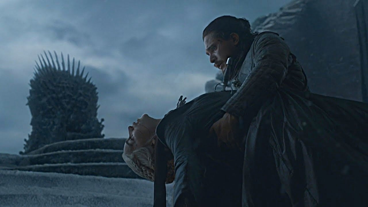 Danaerys foi morta por seu amante e sobrinho Jon Snow, o que provocou cenas de histeria e consternação.