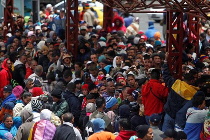 Cerca de 20 mil filhos de pais venezuelanos nasceram na Colômbia e muitos não são considerados aptos à obtenção de cidadania colombiana.
