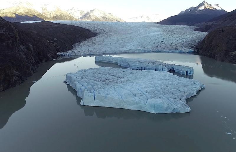 O pedaço de gelo que se soltou da geleira principal é de aproximadamente 208 quilômetros quadrados.